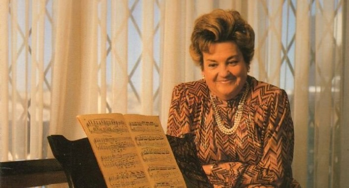 ENRIQUETA TARRÉS, soprano: `MI CARRERA HA SIDO LA DE TRABAJADORA, NO LA DE  DIVA`.